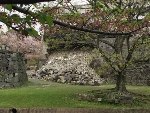 馬具櫓(ばぐやぐら)石垣崩落